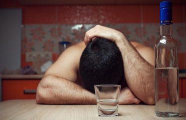 Стадии алкоголизма. Отличия и чем опасны